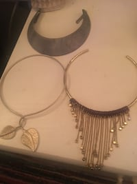 Accessories different choker necklaces Strongsville, 44136