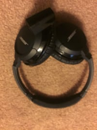 Bose headphones  Vienna, 22182