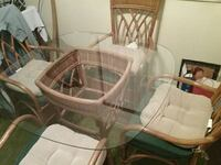 Glass Top Wicker Table with 4 chairs  Noblesville, 46060