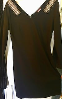 black and white long-sleeved dress Laval, H7N 5X6