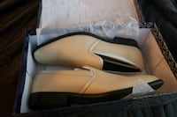 Unisex light gold dress shoes Houston, 77015