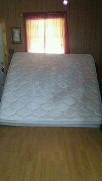 quilted white and gray floral mattress Big Spring, 79720