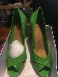 Pair of green peep-toe pumps Capitol Heights, 20743