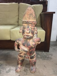 Large Mesoamerican pottery figure Whittier, 90602