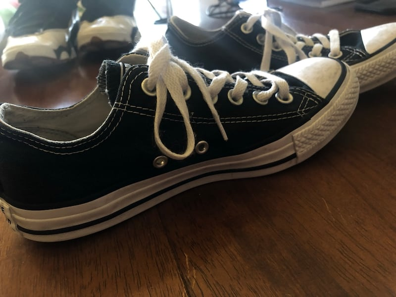 GENTLY USED CONVERSE  0e40084e-c93c-40ee-8500-143819492d86