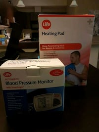 Blood pressure monitor and heating pad Lake Country, V4V