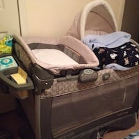 Graco Pack N' Play with Changing table and Detachable Sway Swing Raleigh, 27612