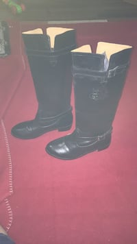 pair of black leather boots Calgary, T2B 1G1