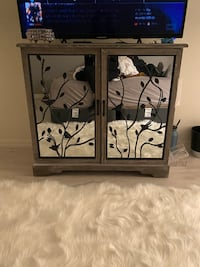 Mirrored chest - drawers