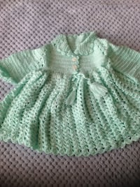 green and white knitted textile Burlington, L7T 3Z6