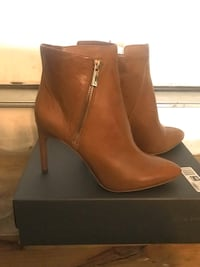 Brand new!!! Vince Camuto - Size 10 Gainesville, 20155