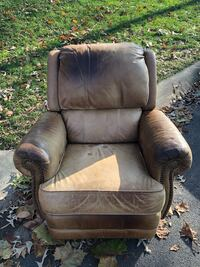 Leather Recliner  Silver Spring, 20901
