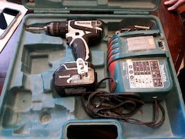 Makita 18V LXT Lithium Ion 1/2in Cordless Hammer Driver Drill Kit with 2 Batteries (4.0 ah ) Charge, and Hard Case