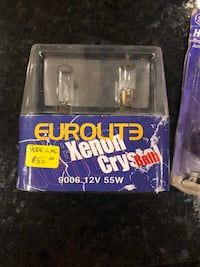 9006 Xenon Bulbs/ Halogen Bulbs Grimsby, L3M 3L2
