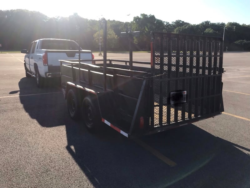 Trailer Heavy duty (willing to negotiate price) d5b41cff-22fb-4213-9d82-268350e44420