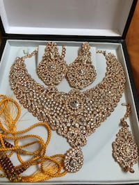 Necklace (gold and beaded stones) Toronto, M3C 3A1