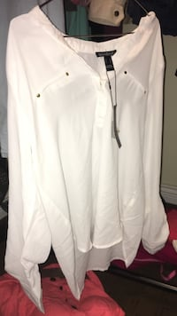 Brand New White Blouse Abbotsford, V2S