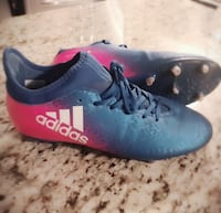 ADIDAS SOCCER SHOES  537 km