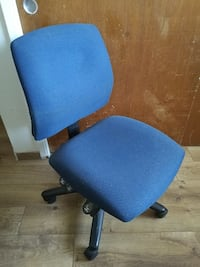 blue rolling chair