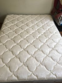 White and gray floral mattress Capitol Heights, 20743