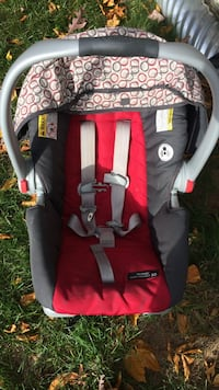 Baby's red and black car seat carrier Nashua, 03062