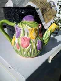 Flowers in balloons teapot Nyssa, 97913