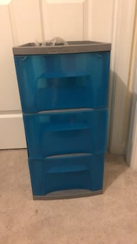 triple drawers with wheels 6 km