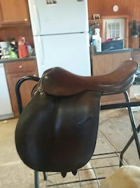 Crosby english jumping saddle  Winchester, 22601