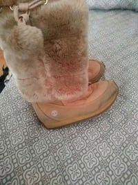 Girl timberland boot w/ fur  Baltimore