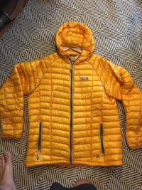 Down jacket- Mountain Hardware North Potomac, 20850