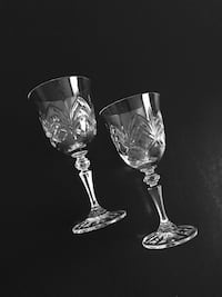 "7""h Pair of Galway Crystal Wine Glasses 39 km"