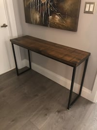 Solid wood console table with metal legs Toronto, M8X 1S9