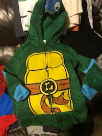 Green and yellow tmnt hoodie size 6-7 Carson, 90745
