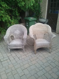 Pair of wicker chairs - in need of some love  Hamilton, L0R 2H4