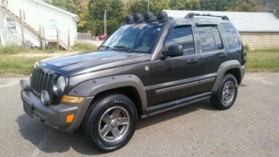 2005 JEEP RENEGADE LIBERTY~Runs EXCELLENT~4X4 c5642e2a-d4b9-4e3c-a183-a392ba4c1680