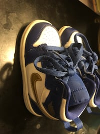 Jordan's 1 blue white and gold size 6c 43 km