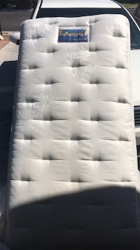 Serta Perfect Sleeper Mattress Set Twin size in excellent condition Henderson