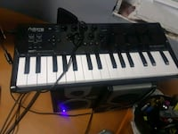 black and white electronic keyboard Fayetteville, 30215