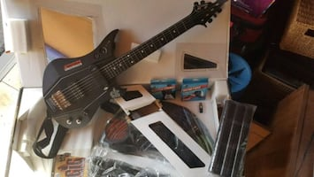 Ps3 The GIG guitar and game