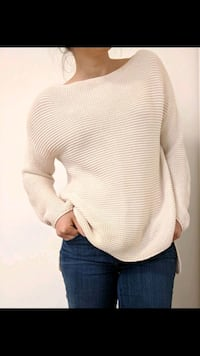 Cream knitted sweater Toronto, M1L 2K1
