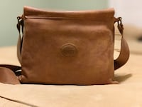 ROOTS Leather Messenger Bag London, N6B 0B3