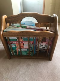 Solid oak book caddy medium in colour Vancouver, V5V 2H6