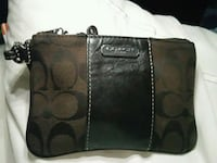 Coach make up bag Surrey, V3T 4E2
