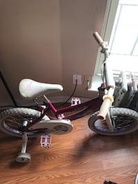 Toddler's purple bicycle with training wheels Chicago, 60640