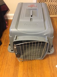 Gray Petmate pet kennel Silver Spring, 20910