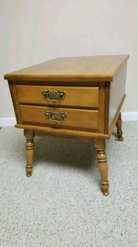 End table Perry Hall, 21128