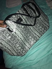 Nine West bag NEVER WORN retail price 79$ selling for only $5O  New York, 11233