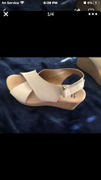 Clarks wedges size 9 Moreno Valley, 92553