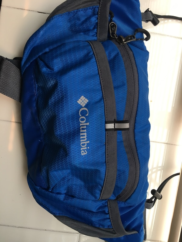 9890a883f42704 Used Columbia hip bag for sale in Vancouver - letgo