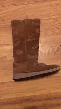 juicy coutour    boots sued boots size seven very comfy good for winter or school never worn  Watsonville, 95076